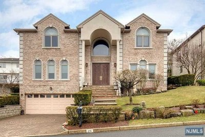 Englewood Cliffs Single Family Home For Sale: 275 Center Street