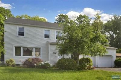 Fair Lawn Single Family Home For Sale: 41-72 Rys Terrace