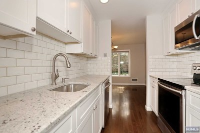Glen Rock Condo/Townhouse For Sale: 17 Daryl Court