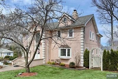 Leonia Single Family Home For Sale: 411 Hillside Avenue