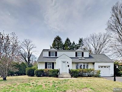 Fair Lawn Single Family Home For Sale: 4-08 Dorothy Street