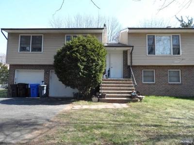 Paramus Single Family Home For Sale: 52 Duke Drive