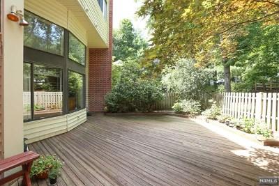 Ridgewood Condo/Townhouse For Sale: 22 Daniel Court