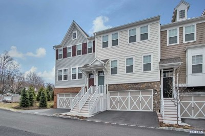 Cresskill Condo/Townhouse For Sale: 102 Orchard Terrace