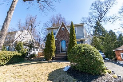 Montvale Single Family Home For Sale: 5 Forest Avenue