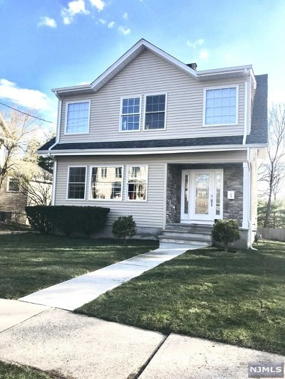 Cresskill Single Family Home For Sale: 16 Westervelt Place