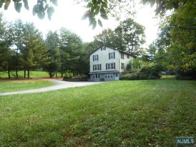 Franklin Lakes Single Family Home For Sale: 712 Ewing Avenue