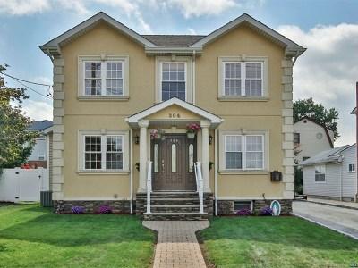 Saddle Brook Single Family Home For Sale: 304 Lanza Avenue