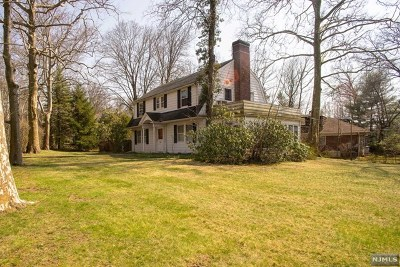 Englewood Single Family Home For Sale: 210 Fountain Road