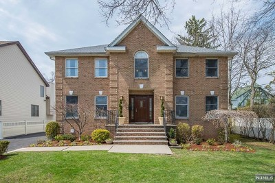 Teaneck Single Family Home For Sale: 460 Queen Anne Road