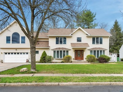 Paramus Single Family Home For Sale: 733 Reeder Road