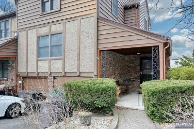 Englewood Condo/Townhouse For Sale: 356 Starling Road