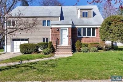 Teaneck Single Family Home For Sale: 783 Dearborn Street