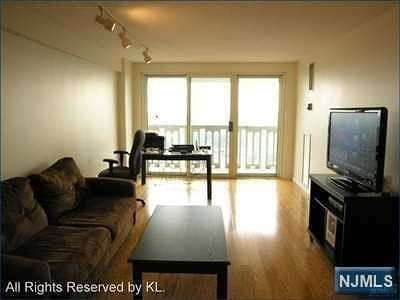 Fort Lee Condo/Townhouse For Sale: 555 North Avenue #25w