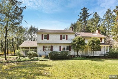 Closter Single Family Home For Sale: 126 Knickerbocker Road