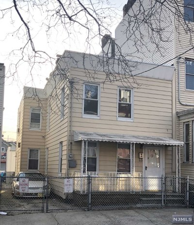 Hudson County Single Family Home For Sale: 19 Storms Avenue