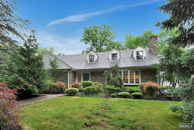 Englewood Single Family Home For Sale: 287 Thornton Road
