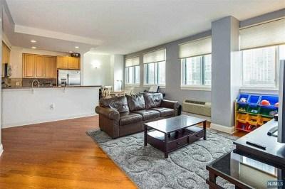 Jersey City Condo/Townhouse For Sale: 311 Washington Street #8e