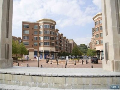 West New York Condo/Townhouse For Sale: 22 Ave At Port Imperial #304