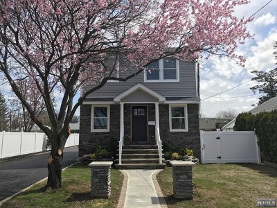 Fair Lawn Single Family Home For Sale: 5-25 Hartley Place