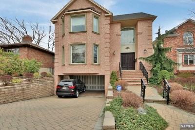 Fort Lee Single Family Home For Sale: 1310 Abbott Boulevard