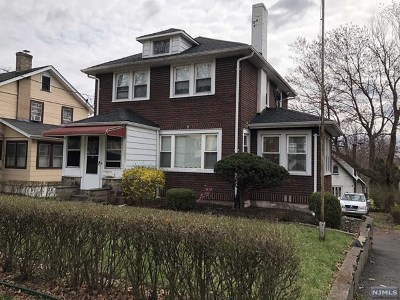 Teaneck Single Family Home For Sale: 1481 Gaylord Terrace