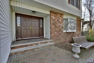 Fair Lawn Single Family Home For Sale: 18-11 Landzettel Way