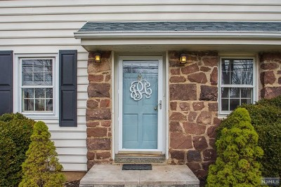 Ridgewood Single Family Home For Sale: 821 East Glen Avenue