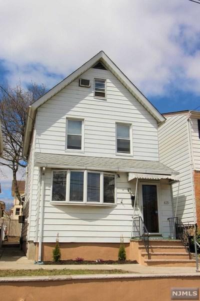 Hudson County Single Family Home For Sale: 435 Davis Avenue