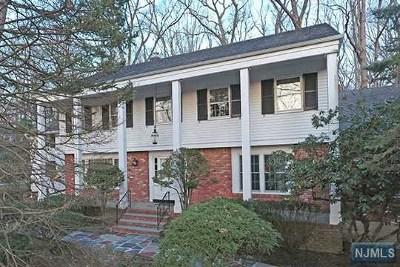 Ho-Ho-Kus Single Family Home For Sale: 44 Wearimus Road