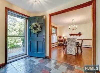 Ho-Ho-Kus Single Family Home For Sale: 64 Sycamore Avenue