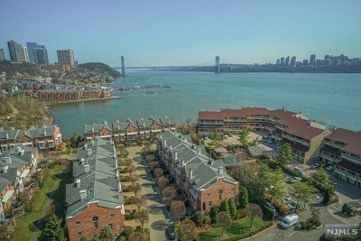 Edgewater Condo/Townhouse For Sale: 1203 River Road #16b