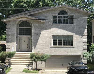 Fort Lee Single Family Home For Sale: 1138 Abbott Boulevard