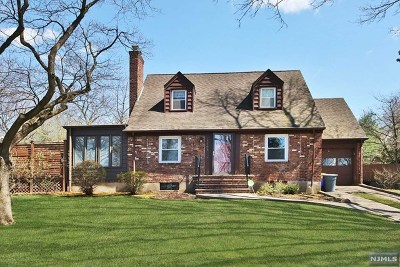 Teaneck Single Family Home For Sale: 1363 Somerset Road