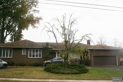 Hackensack Single Family Home For Sale: 409 Hamilton Place