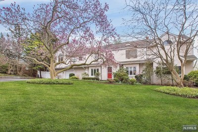 Teaneck Single Family Home For Sale: 608 North Forest Drive