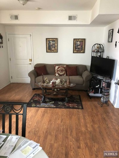 West New York Condo/Townhouse For Sale: 573 53rd Street