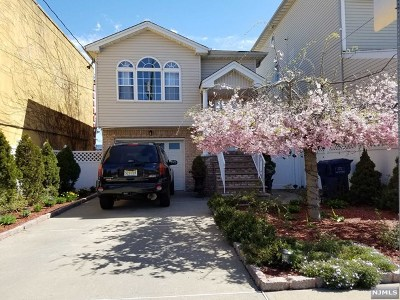 Hackensack Single Family Home For Sale: 35 East Broadway