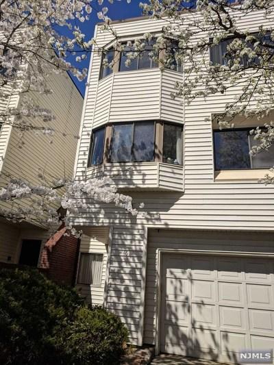 Ridgewood Condo/Townhouse For Sale: 46 Kira Lane
