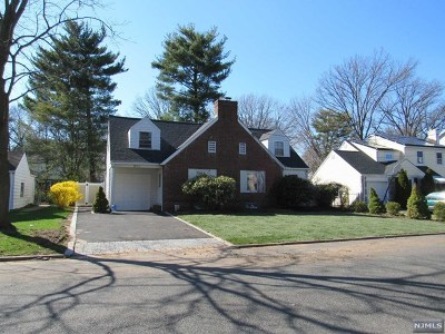 Teaneck Single Family Home For Sale: 980 Phelps Road