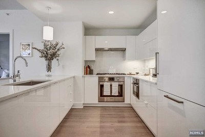 West New York Condo/Townhouse For Sale: 9 Ave At Port Imperial #1005