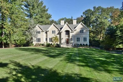 Upper Saddle River Single Family Home For Sale: 416 West Saddle River Road