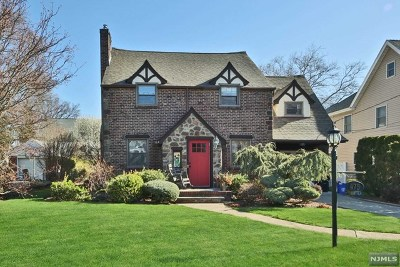 Teaneck Single Family Home For Sale: 475 Churchill Road