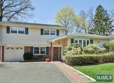 Teaneck Single Family Home For Sale: 1552 River Road