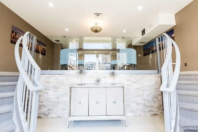 West New York Condo/Townhouse For Sale: 26 Ave At Port Imperial #135