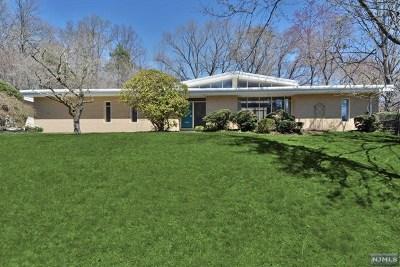 Ho-Ho-Kus Single Family Home For Sale: 849 Wickham Way