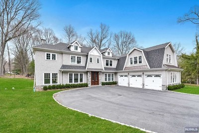 Upper Saddle River Single Family Home For Sale: 33 Hidden Glen Road