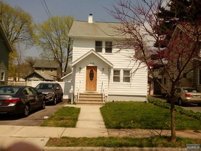 Teaneck Single Family Home For Sale: 659 Maple Avenue