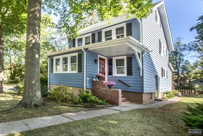 New Milford Single Family Home For Sale: 1095 Steuben Avenue