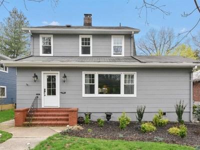 Leonia Single Family Home For Sale: 336 Moore Avenue
